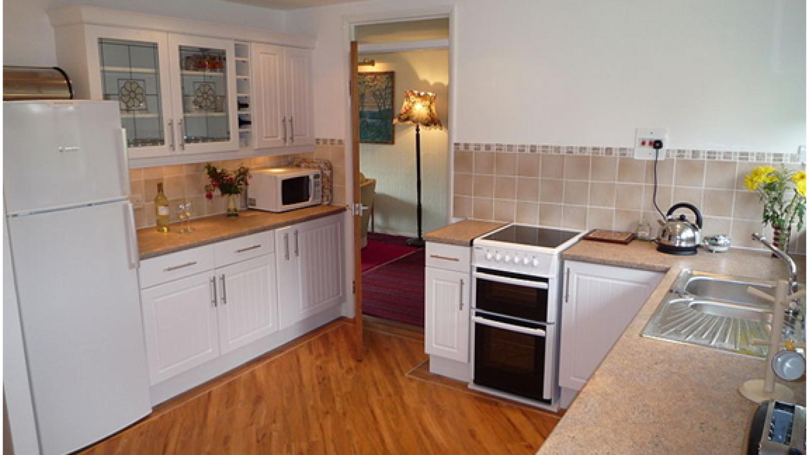 How to best clean your kitchen floor2